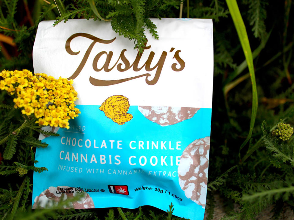 Tasty's Chocolate Crinkle Cookie 1:1